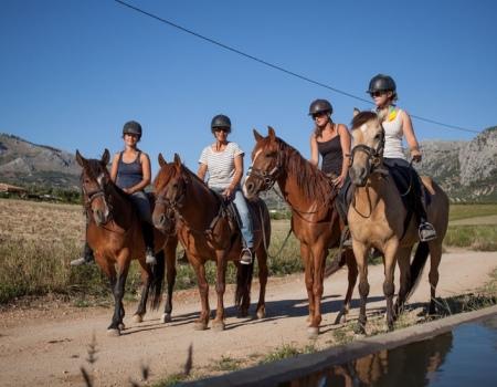 riding-holidays-andalucia-spain-cortijo-los-lobos-accommodation-bitless31